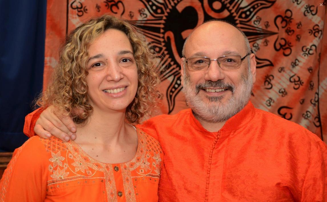 Mataji Swamini Lakshmi Devi y Dharmachari Swami Maitreyananda
